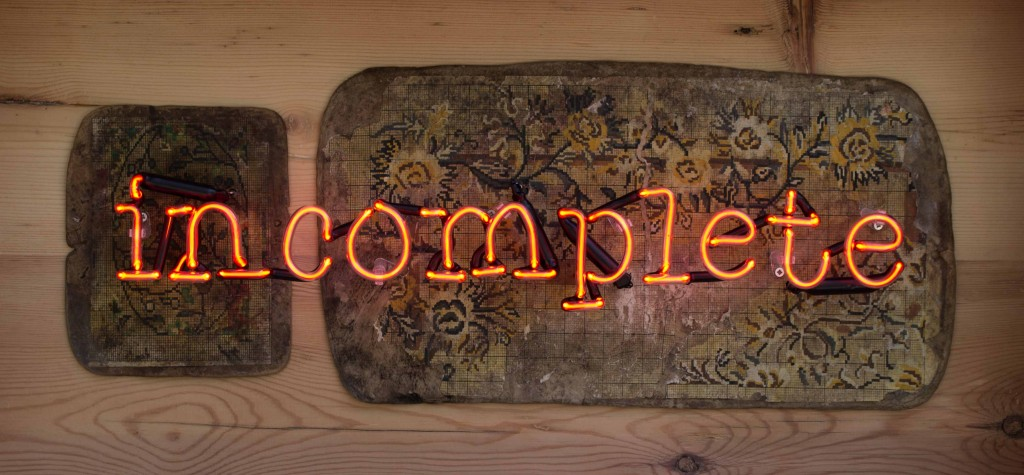 İncomplete II, 2019, Sample Pattern, Neon, 44x87x17 cm